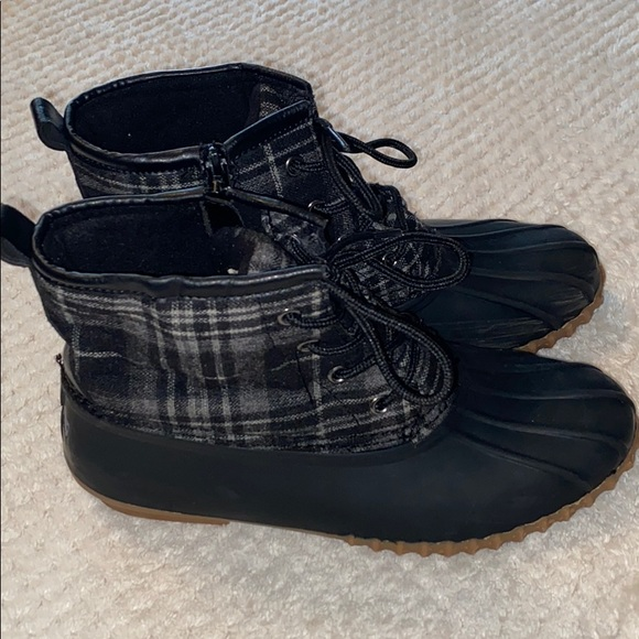 Esprit duck boots size 8 1/2
